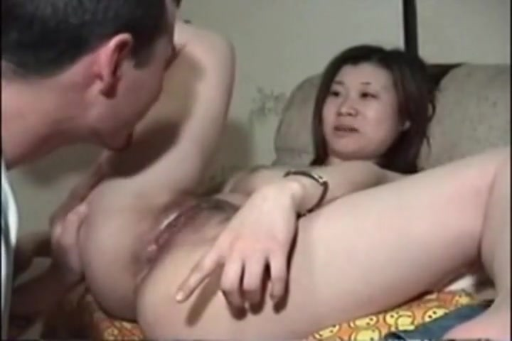 Asian babe gets her pussy licked