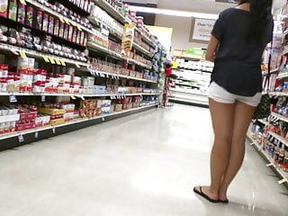 Nice asian legs at the market!