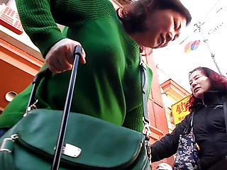 BootyCruise: Chinatown MILF Cam 3